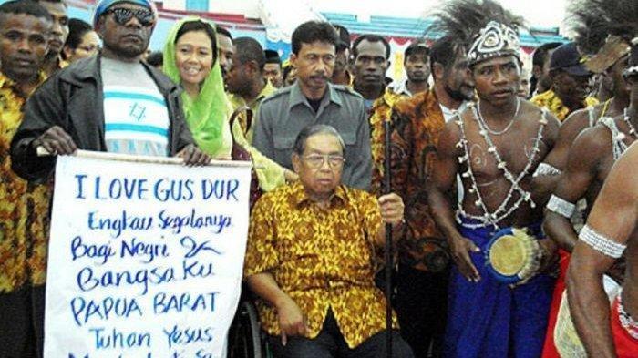 Biarkan Bendera OPM Berkibar di Papua, Gusdur Sudah Buat Perjanjian Sampai Debat Sama Kapolri