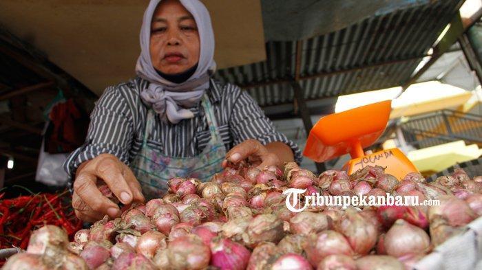 FOTO : Harga Bawang Merah di Pekanbaru Capai Rp 50 Per Kg - harga-bawang-merah-di-pekanbaru.jpg