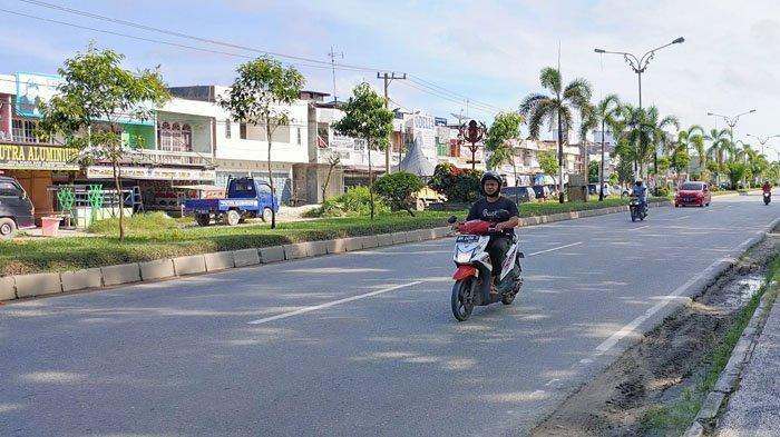 Hari Pertama PSBB di Pelalawan Riau Masih Ada Pengendara Motor yang Tak Kenakan Masker