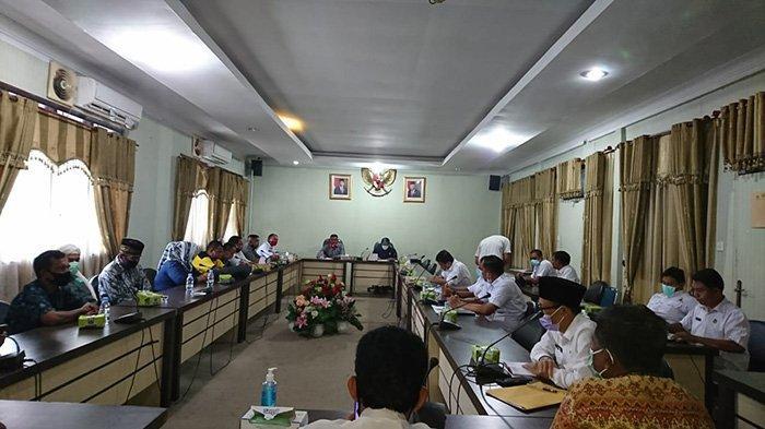 Hearing Sengketa Desa Batas dengan Komisi II Rohul Tak Dihadiri SSL