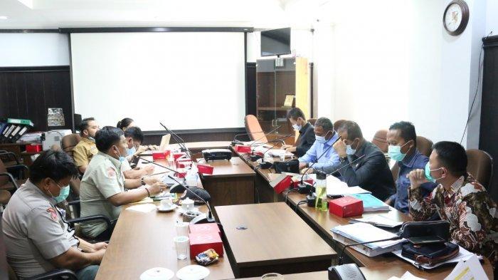Komisi IV DPRD saat melihat ekspos program kerja BPBD Pekanbaru pada hearing, pekan lalu di ruang Komisi IV DPRD Pekanbaru.