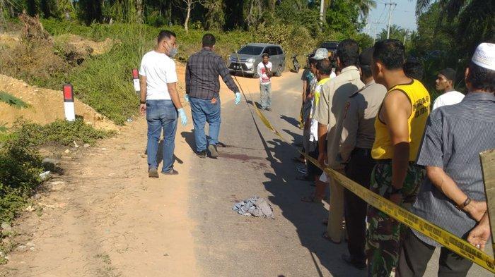 Heboh, AP Lopes Bersimbah Darah di Tepi Jalan Lintas Rokan Hulu, Diduga Korban Pencurian