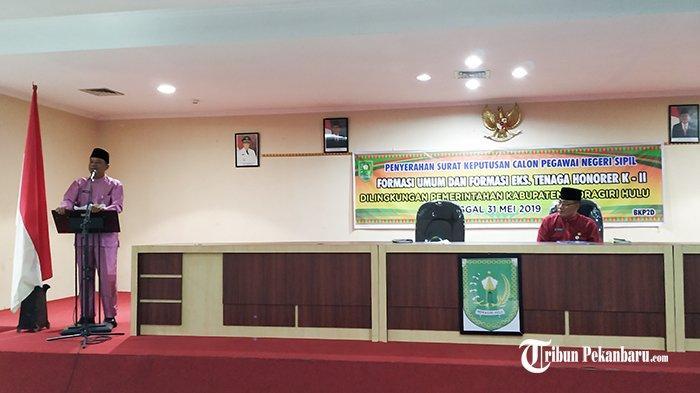 THR Tak Dapat Namun Mulai Digaji Bulan Juni Depan, Pemkab Inhu Riau Akhirnya Serahkan 294 SK CPNS