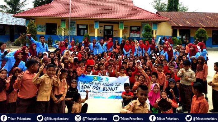 Himaprostpek FKIP Universitas Riau Gelar Pendidikan Kimia Mengabdi, Kenalkan Kimia kepada Siswa