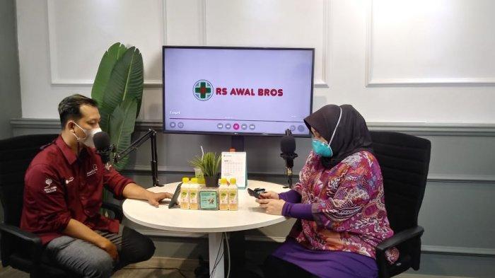 Smart FM Gelar Talkshow World Glaucoma Week, Hadirkan Narasumber dari RS Awal Bros Pekanbaru
