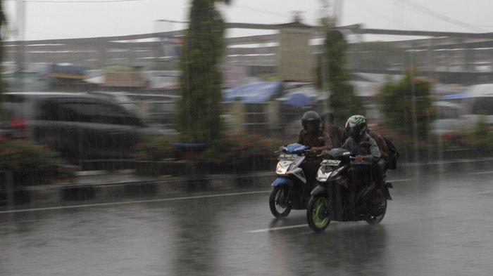 BPBD Pelalawan Riau Minta Warga Waspadai Hujan Becampur Angin Kencang
