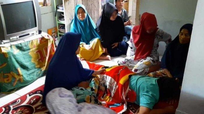Liat Siaran TV Evakuasi Penambang Tertimbun Longsor, Ibu Ini Pingsan Rupanya yang Tewas Anaknya