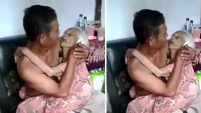 Bikin Nangis, Momen Haru Seorang Ibu yang Ringkih Tidur Pulas Dipangkuan Anaknya