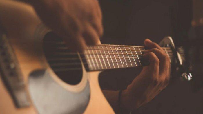 Chord Lagu Minang Ajo Buset Tuk Tuk, Lengkap dengan Lirik