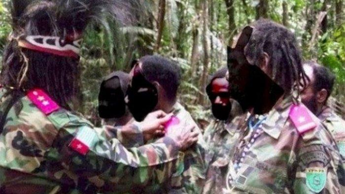 KKB Papua Numbuk Talenggen Tak Berkutik Digerebek TNI-Polri,Apa Saja Senjata dan Barang yang Disita?