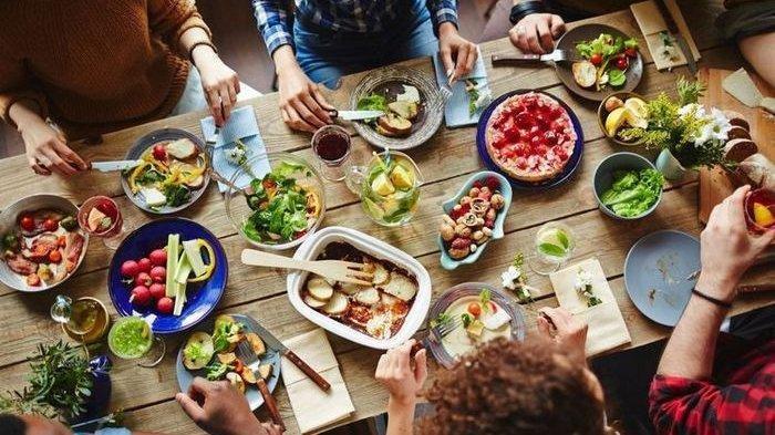 Nonton Video Makanan dan Minuman Bikin Puasa Batal? Simak Penjelasan Ini