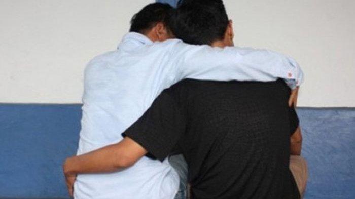 Warga Jateng Ini Syok Melihat Dua Pria Bergumul Usai Bercinta, Ada Bercak Darah Di Mana-mana