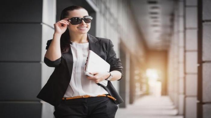 Studi: Wanita yang Menyebalkan Digaji Lebih Tinggi
