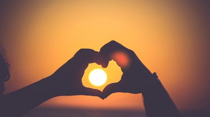 Cek Ramalan Cinta Zodiak Hari Ini Senin 28 Maret 2021, Gemini Jangan Tutupi Masalah, Libra Hati-hati