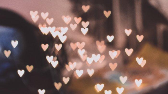 Pisces Nikmati Api Asmara, Libra Bahagia, Cek Ramalan Cinta Zodiak Besok Senin 1 Maret 2021