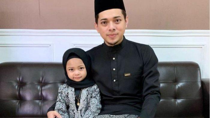 Ilyas Farid Mohamad bersama putrinya, Rania