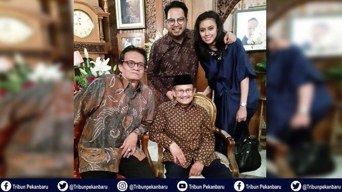 Immemories BJ Habibie dengan PASANGAN Suami Istri Asal Riau, Pesan BJ Habibie Saat Pernikahan Mereka