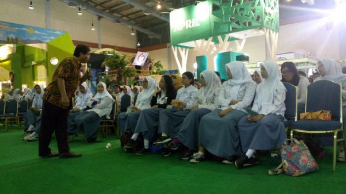 Ratusan Siswa SMA Antusias Ikuti Diskusi Interaktif APRIL di Jakarta Convention Centre