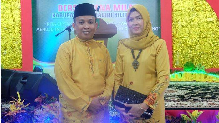 Ketua DPRD Inhil H. Dani M Nursalan bersama istri saat menghadiri malan resepi Milad ke 53 Kabupaten Inhil.