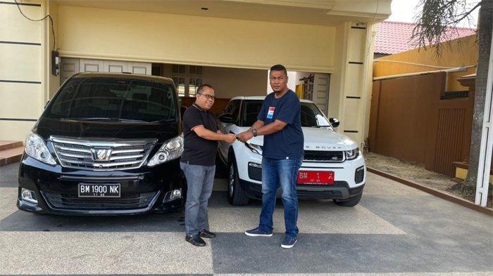 Irwan Nasir Kembali Serahkan Aset Pemkab, Kali Ini Mobil Mewah dan Rumah Dinas di Pekanbaru