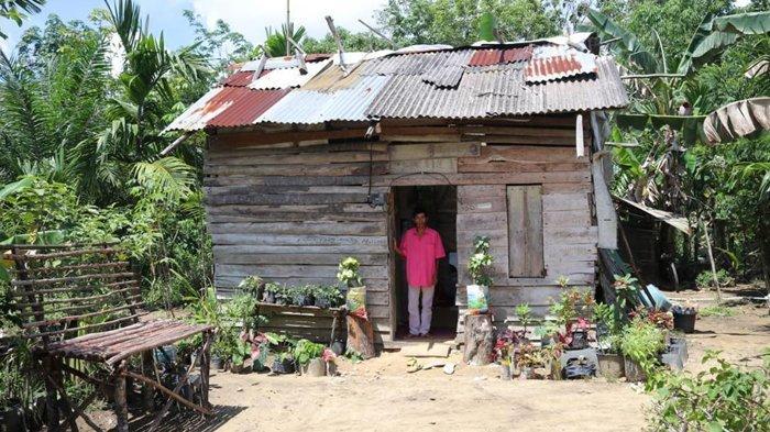 Istri Bupati Siak Berlinang Air Mata Melihat Rumah Jamal, Ini Sebabnya