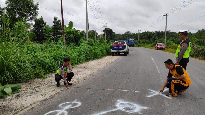 Jadi Korban Tabrak Lari Truk, Anggota Polisi Banit Lantas Polsek Tapung Hilir Riau Meninggal di TKP