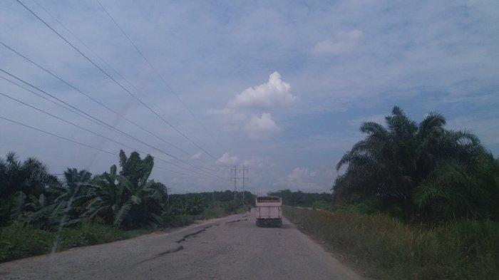 Jalan Lintas Siak-Pekanbaru Rusak Berat, Sering Ada Kecelakaan Terutama Malam Hari