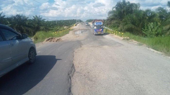 Jalan Lintas Penghubung 3 Kabupaten Rusak Parah, Dinas PU Tarukim Siak Surati Pemprov Riau
