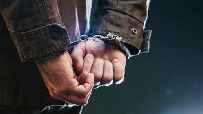 Empat Pria di Kampar Keasikan Lakukan Perbuatan Terlarang hingga Tak Sadar Polisi Datang