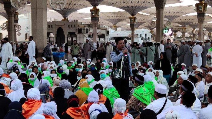 jch-pelalawan-di-masjid-nabawi.jpg