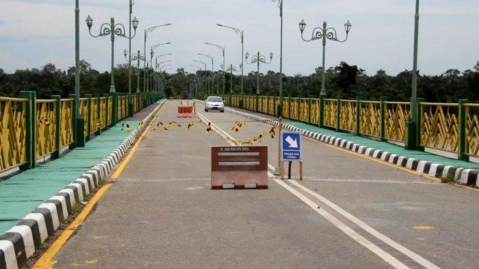 ALAMAK, Baru 2 Hari Ditabrak, Jembatan Pedamaran II Rohil Dihantam Ponton Lagi