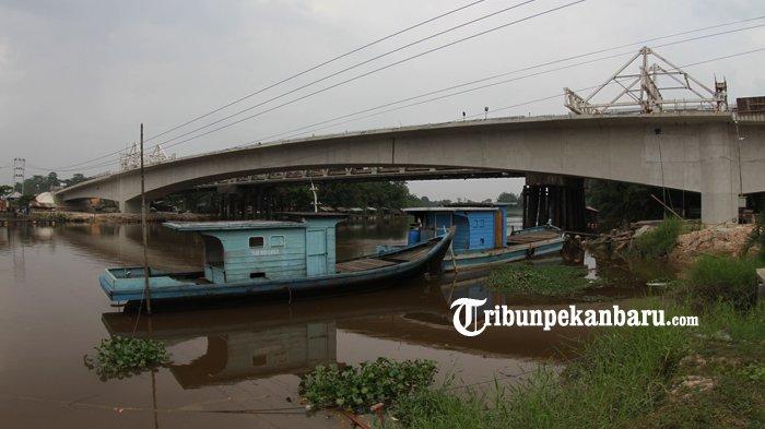 FOTO: Rangkaian Telah Tersambung Beginilah Penampakan Jembatan Siak II Baru - jembatan-siak-ii-baru_20180326_161713.jpg