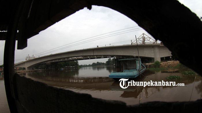 FOTO: Rangkaian Telah Tersambung Beginilah Penampakan Jembatan Siak II Baru - jembatan-siak-ii-baru_20180326_161826.jpg