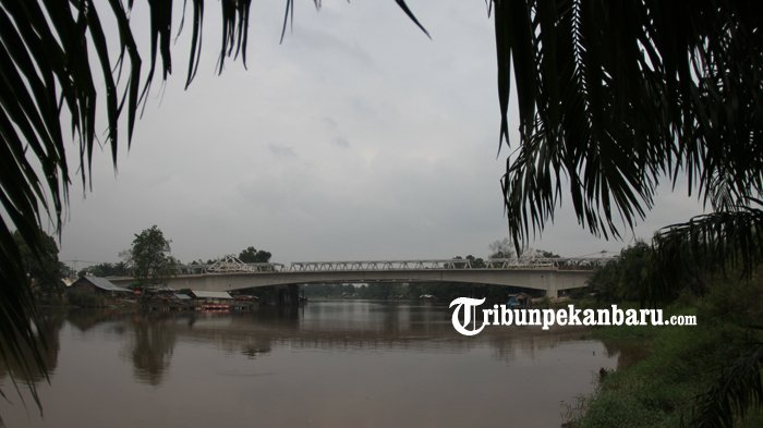 FOTO: Rangkaian Telah Tersambung Beginilah Penampakan Jembatan Siak II Baru - jembatan-siak-ii-baru_20180326_161828.jpg