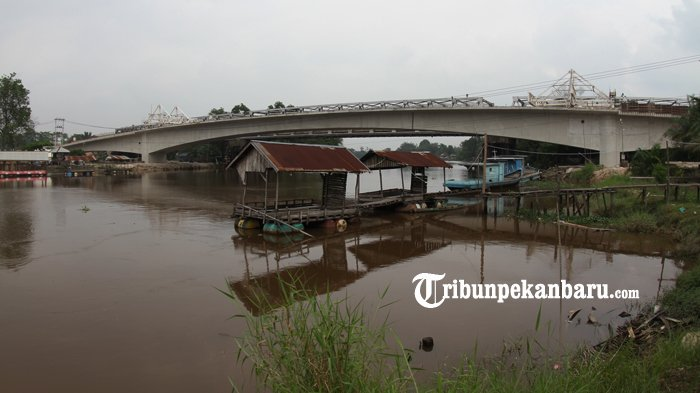 FOTO: Rangkaian Telah Tersambung Beginilah Penampakan Jembatan Siak II Baru - jembatan-siak-ii-baru_20180326_161847.jpg
