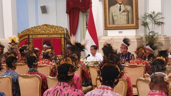 Jokowi Siapkan 1.000 Loker BUMN Bagi Mahasiswa Papua, 'Perusahaan swasta besar yang akan saya paksa'