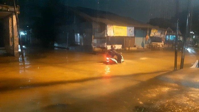 1.000 Orang Mengungsi dan 600 Rumah Terendam Akibat Banjir di Padang