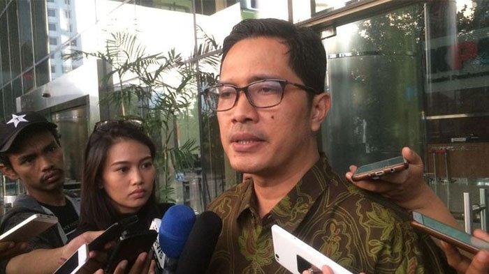 KPK Periksa Bupati Solok Selatan Muzni Zakaria, Dugaan Korupsi Proyek Masjid dan Jembatan