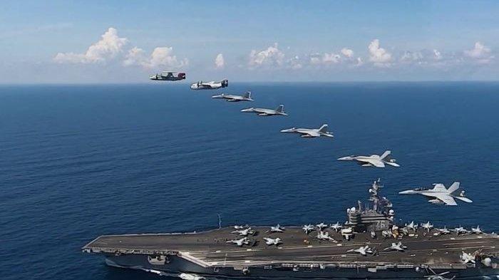 Kapal Induk USS Ronald Reagan.