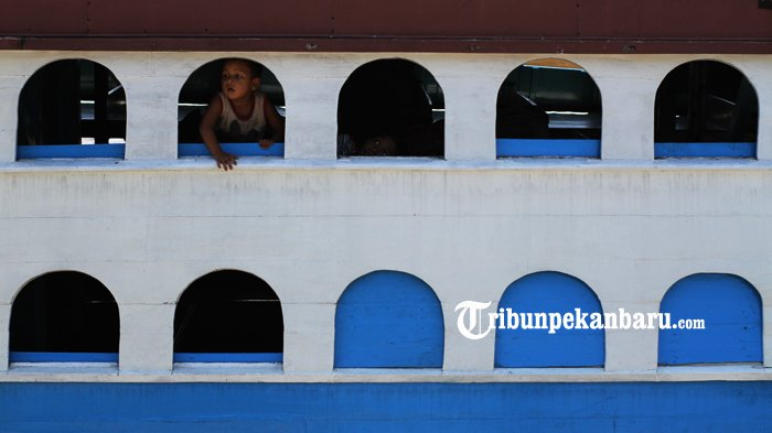 FOTO: Aktifitas di Pelabuhan Sungai Duku Masih Normal - kapal-motor-jelatik-pelabuhan-sungai-duku-arus-mudik-lebaran_20180605_140852.jpg