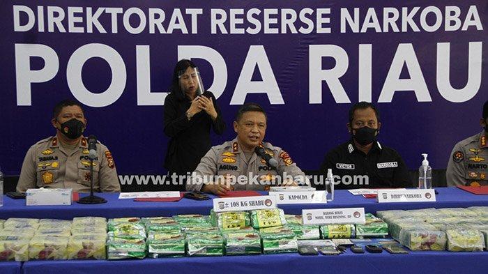 Foto : Polda Riau Ekspos Kasus Pengungkapan 108 Kg Sabu - kapolda-ekspos-108-kg-sabu.jpg