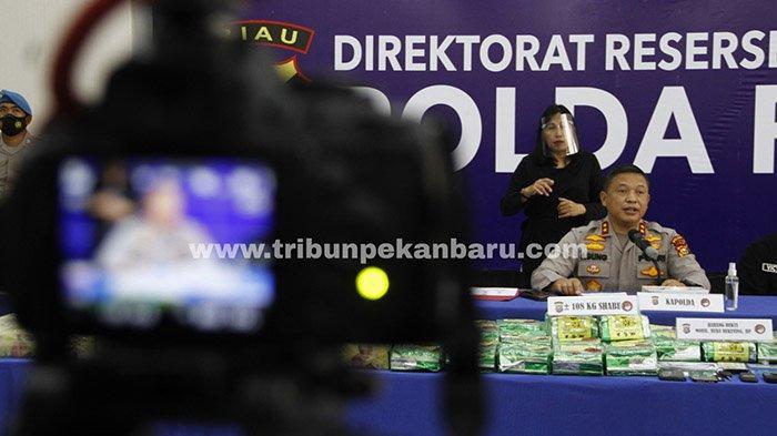 Foto : Polda Riau Ekspos Kasus Pengungkapan 108 Kg Sabu - kapolda-riau-pers-release-108-kg-sabu.jpg