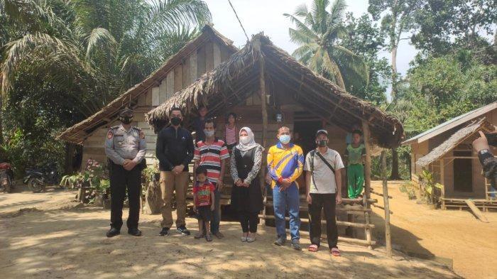 Vaksinasi Covid-19 Suku Talang Mamak, Kapolres Inhu Kunjungi Tokoh Adat, Ini yang Dilakukan