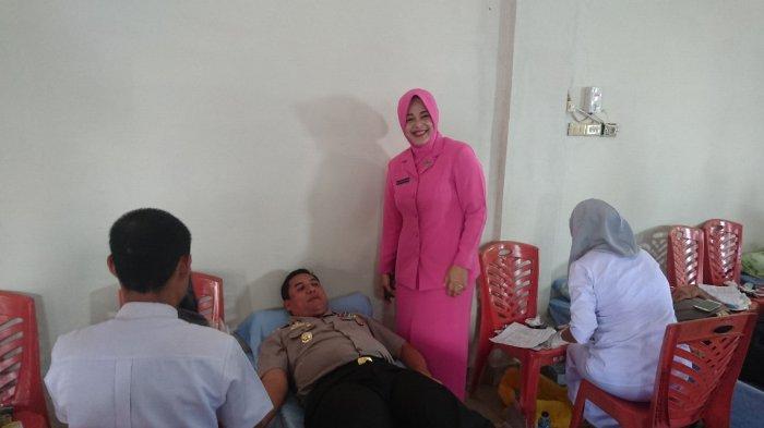 Kapolres Rohul Ikut Donorkan Darah Saat Bakti Sosial HUT Bhayangkara ke 72
