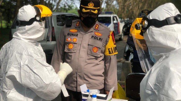 Pengendara Masuk ke Siak Disuruh Swab Antigen di Pos Penyekatan Jembatan TASL