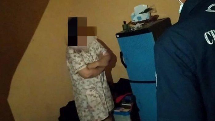 Karyawati Bank Digerebek Suami Sah Pakai Daster di Kamar Kos ASN, Ngakunya Dulu Pernah Nikah Siri