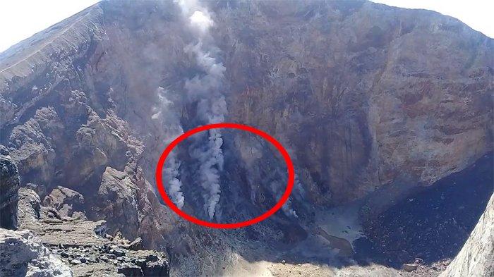 Pasca Letusan, Beginilah Penampakan Lubang Di Kawah Gunung Agung Saat Dipantau Drone