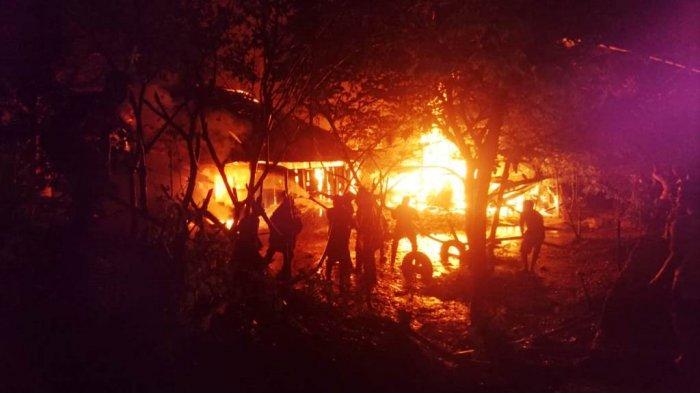 Kebakaran - 6 Rumah di Jalan Imam Bonjol Pasirpangaraian Ludes Dilalap Si Jago Merah