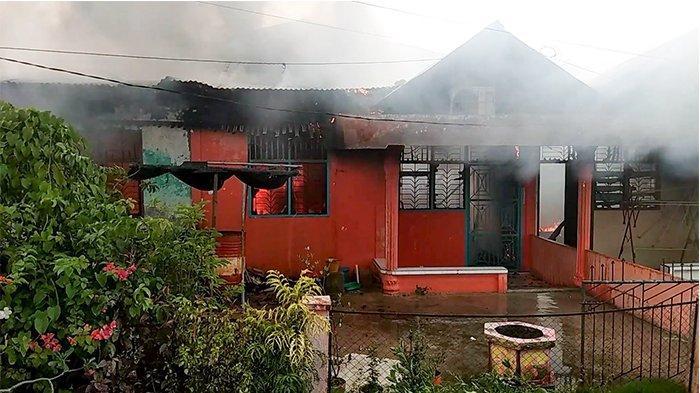 Korsleting Picu Kebakaran Tiga Rumah di Jalan Teladan Selatpanjang Timur