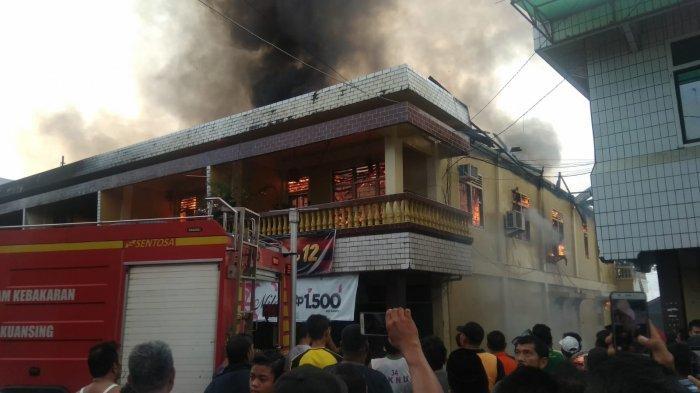 Ada Ledakan Tabung Gas Saat Kebakaran Lima Ruko di Kuansing